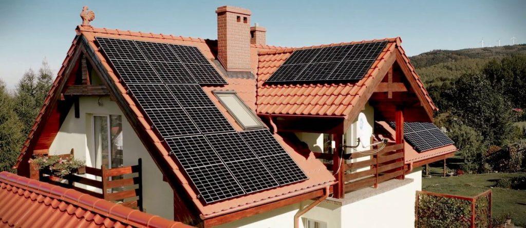 fotowoltaiczne instalacje gruntowe i dachowe